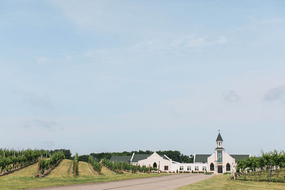 Ciccone-Vineyard-wedding-venue-suttons-bay-mi