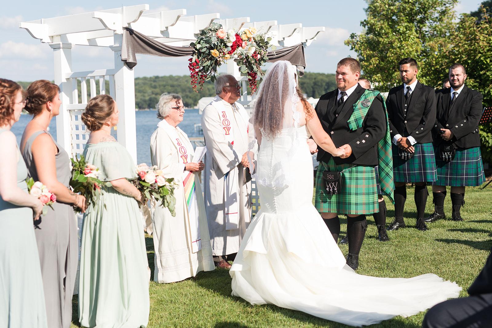Scottish wedding ceremony during a Bay Pointe Inn wedding in Shelbyville, Michigan