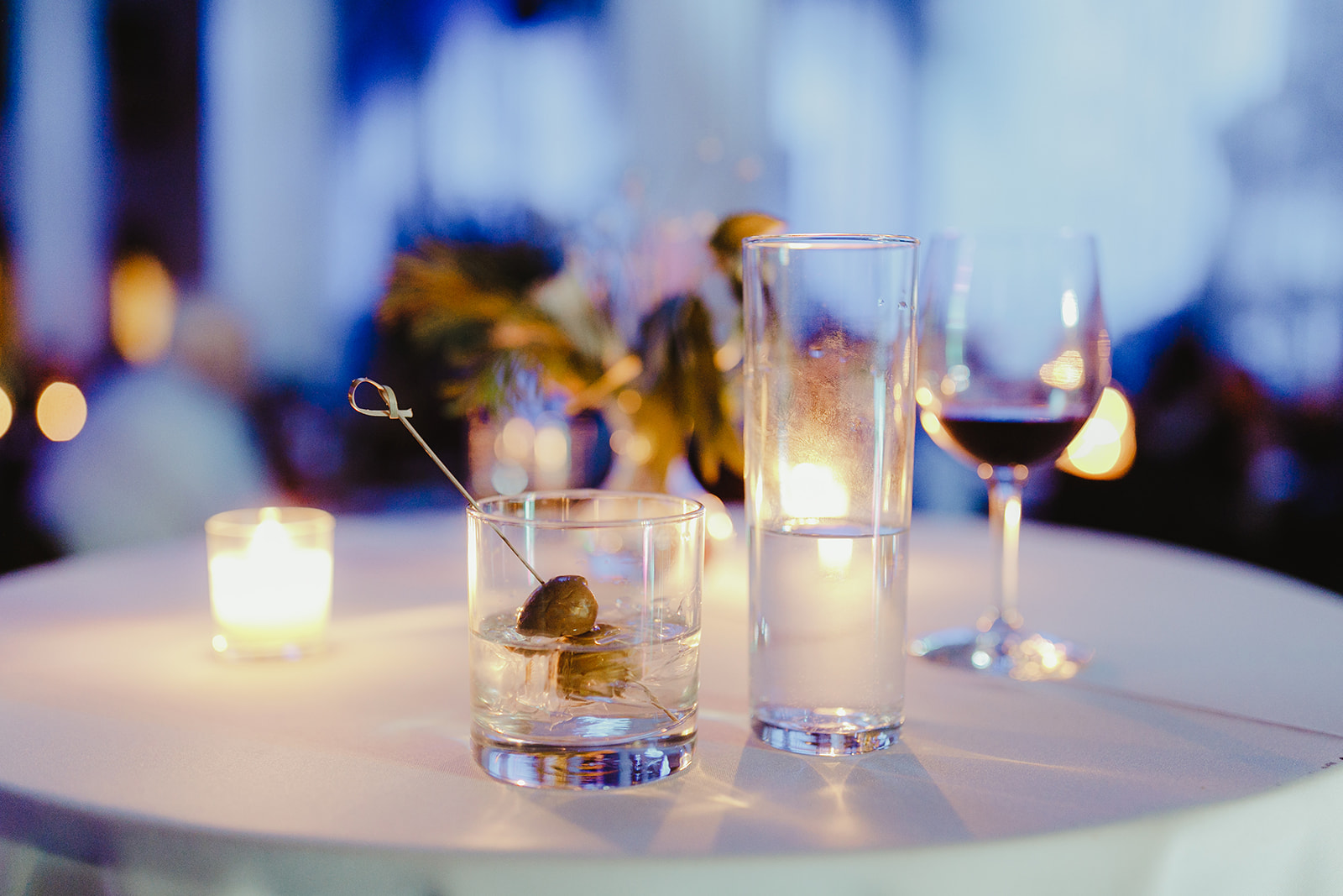 Drinks sitting on a table during a Grand Rapids, Michigan wedding