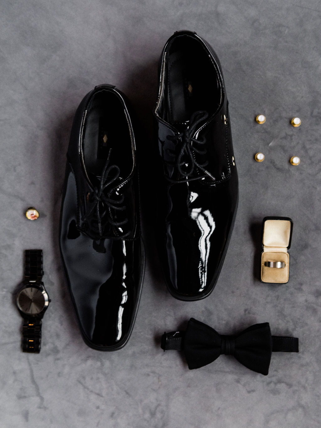 A groom's shoes