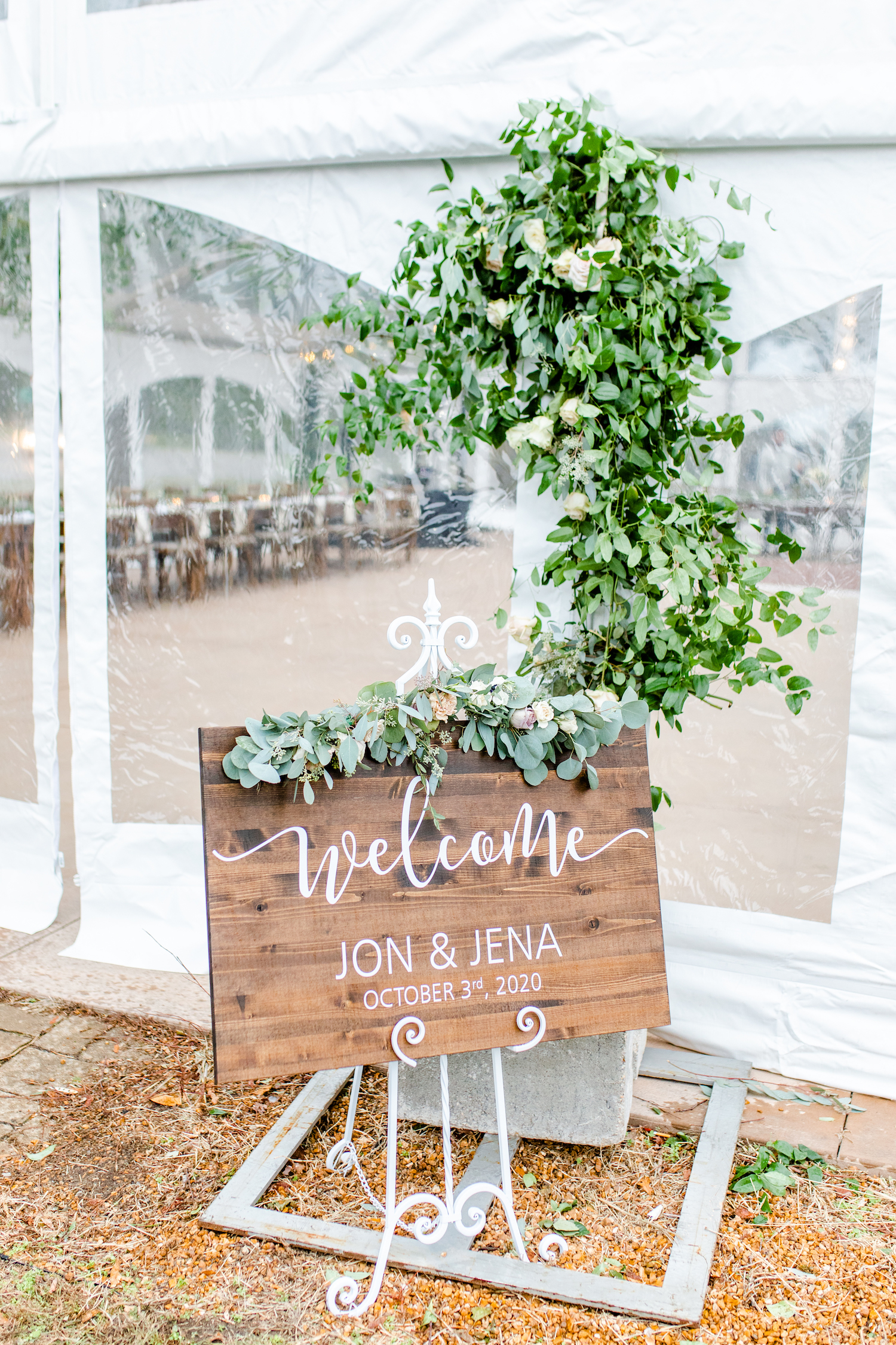 Welcome sign for the lakehouse wedding