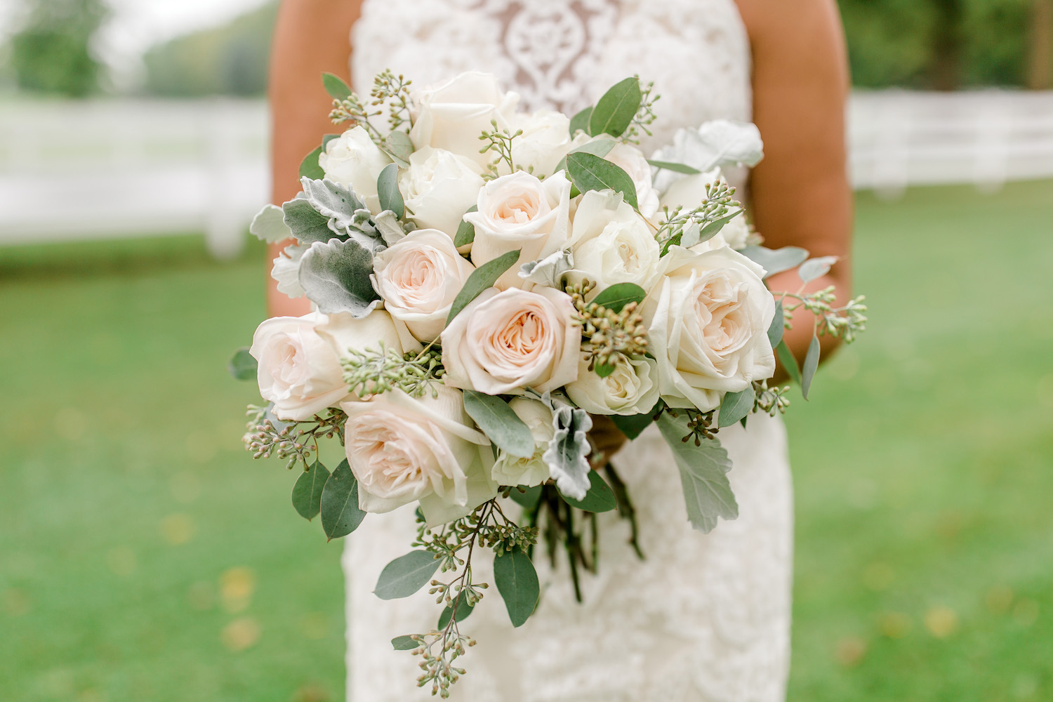 Brides bouquet for her Wallinwood Springs Golf Course wedding