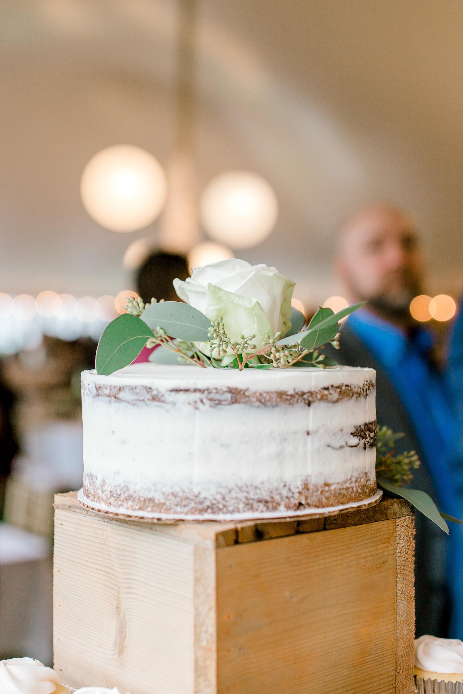 Wallinwood Springs Golf Course wedding cake