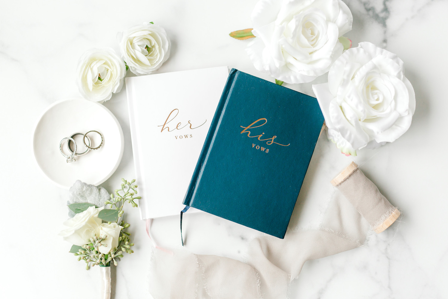 His and Her vow book of Wallinwood Springs Golf Course wedding
